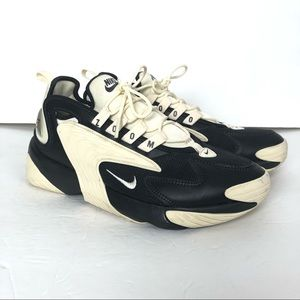 Nike zoom 2000 athletic shoes